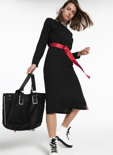 Twist Yan Yırtmacı Grogren Geçişli Kemerli Elbise Siyah